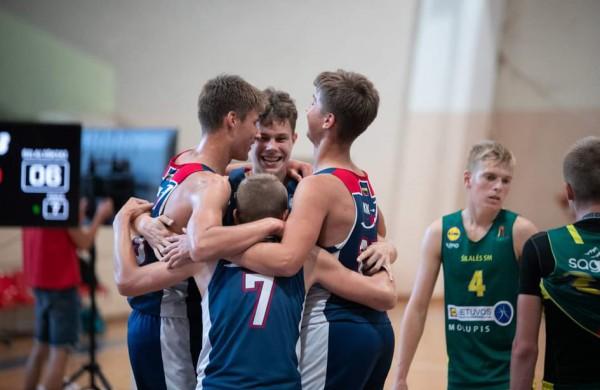 Jonavos KKSC krepšinio skyriaus auklėtiniai - Lietuvos 3x3 čempionato nugalėtojai