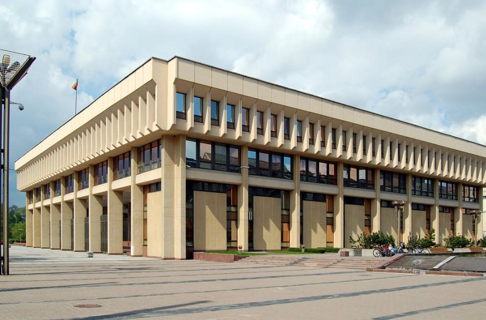 Nuo rugpjūčio 23 d. keičiama patekimo į Seimo rūmus tvarka