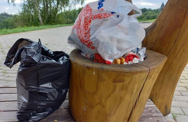 Fiksuojami augantys atliekų kiekiai poilsio aikštelėse: daugiausia šiukšlių – po savaitgalių