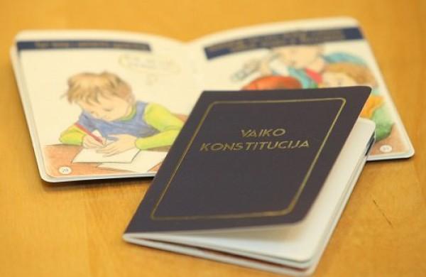 Vaiko konstitucija – leidinys apie pagrindines vaiko teises pasieks kiekvieną šalies pirmoką