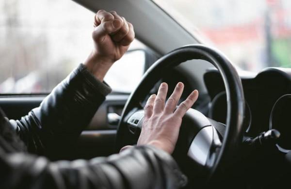 Skaitytojas rašo:  Atpratome nuo spūsčių ir pamiršome kultūringą vairavimą?
