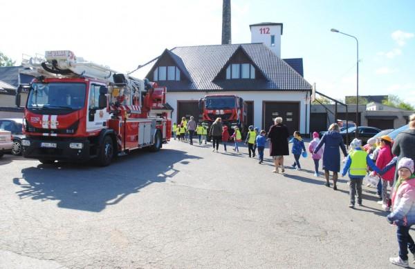 Jonavos priešgaisrinė gelbėjimo tarnyba suteiks ugniagesių konsultacijas priešgaisrinės saugos klausimais