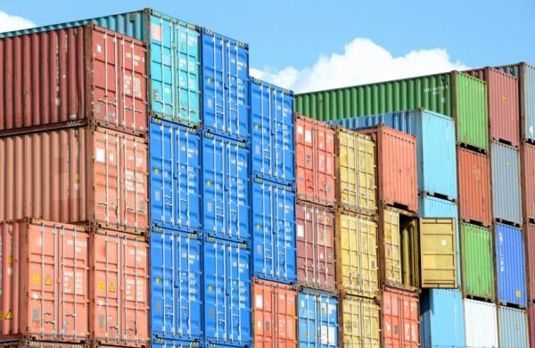 Aplinkosaugininkai įspėja: į Europos Sąjungą importuojamas chemines medžiagas įmonės privalo registruoti