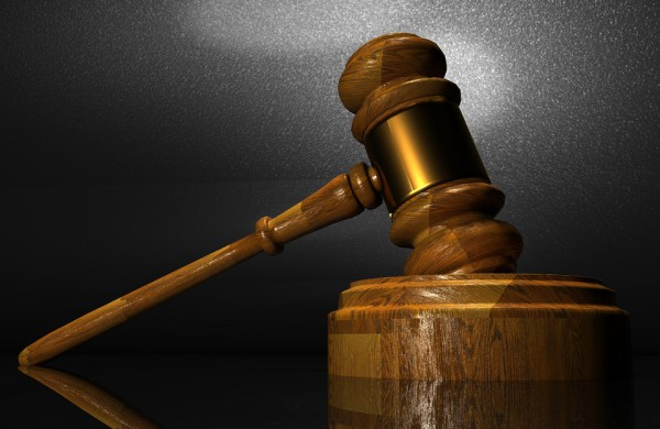 LRTK nusprendė nubausti du fizinius asmenis, platinusius televizijos programas viename iš populiariausių skelbimų portalų