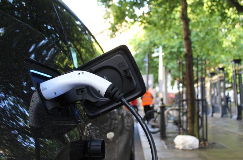 Ko reikia, kad elektromobilių rinka Lietuvoje augtų sparčiau?
