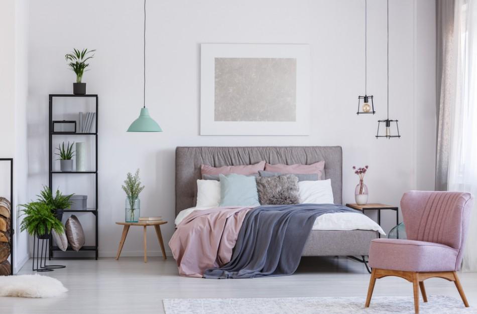Harmoningas miegamojo interjeras užtikrins ramų poilsį