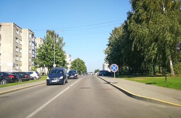 Pažeidėjai sulauks sankcijų – policija įspėjo jau ne vieną vairuotoją dėl parkavimosi A. Kulviečio gatvėje