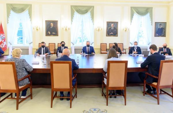 Prezidentas: laikas susitarti dėl teisingesnių mokesčių