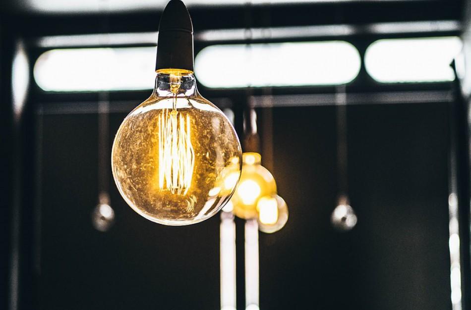 Kada reikia mokėti mokestį už galios dedamąją, net jeigu vartotojas nevartoja elektros?