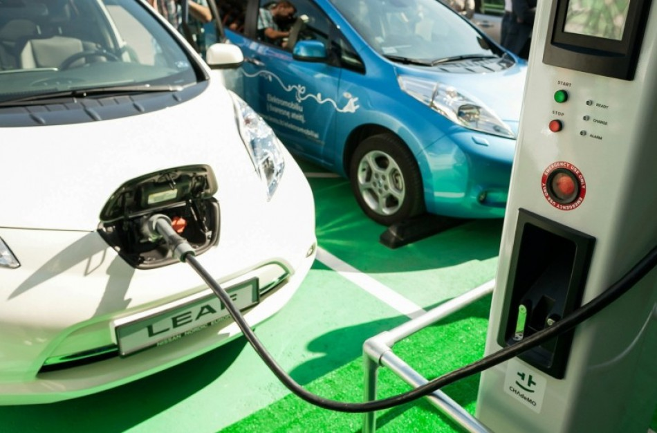 Susisiekimo ministras M. Skuodis: per trejus metus viešųjų ir pusiau viešųjų elektromobilių įkrovimo prieigų Lietuvoje padaugės daugiau kaip 10 kartų
