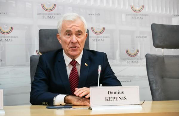 Seimo narys Dainius Kepenis prašys teismo apginti pažeistas teises dėl vardo ir pavardės panaudojimo