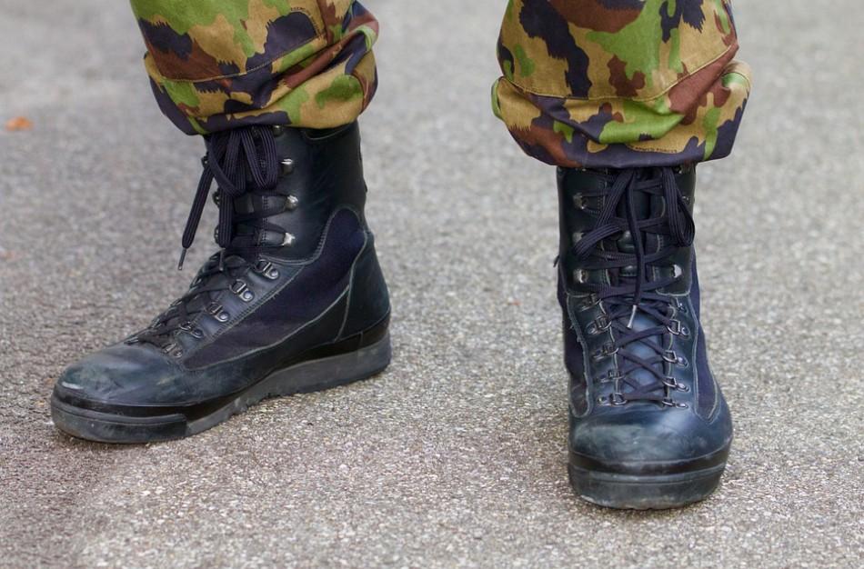 Po penkerių metų – vėl į kariškus batus