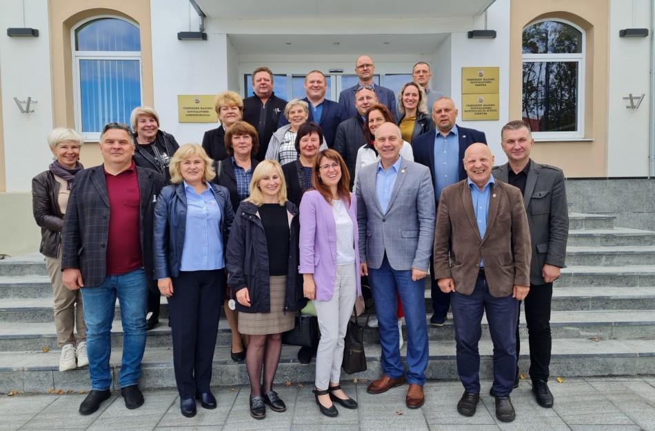Jonavos rajono seniūnai aplankė kaimynus Ukmergėje