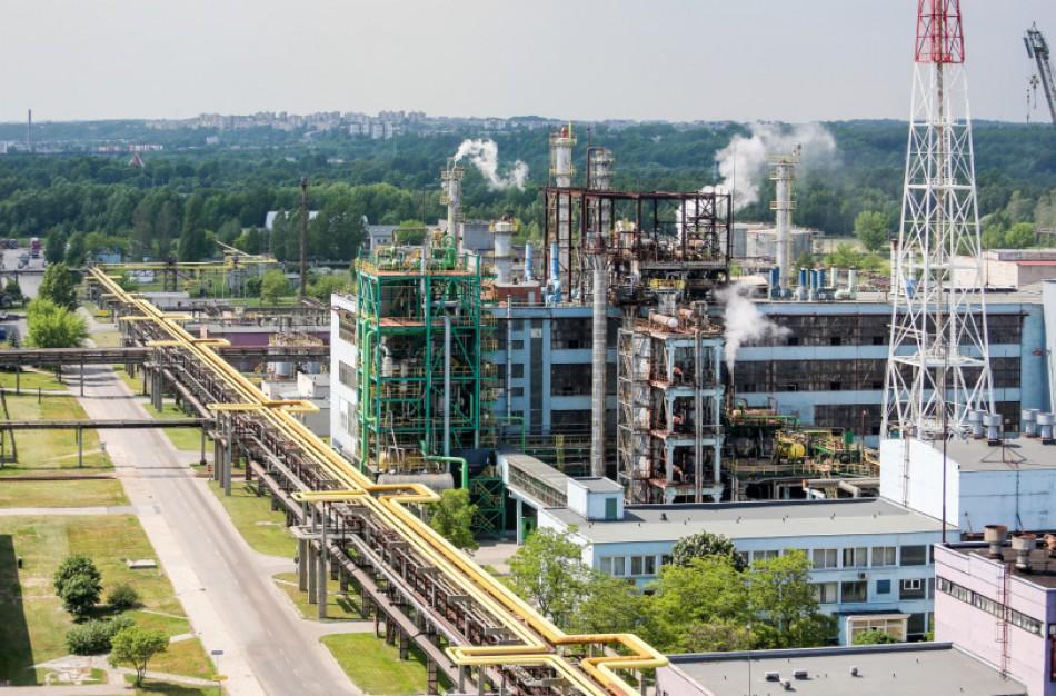 """""""Achema"""" stabdo gamyklą? Kas laukia darbuotojų? Įmonė pateikia oficialią versiją"""
