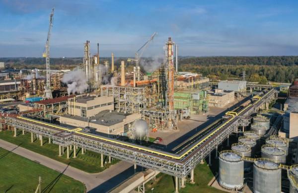 """Europos dujų krizė pasiekė Lietuvą: brangsta šiluma, elektra, """"Achemoje"""" sustabdyti jau trys agregatai"""