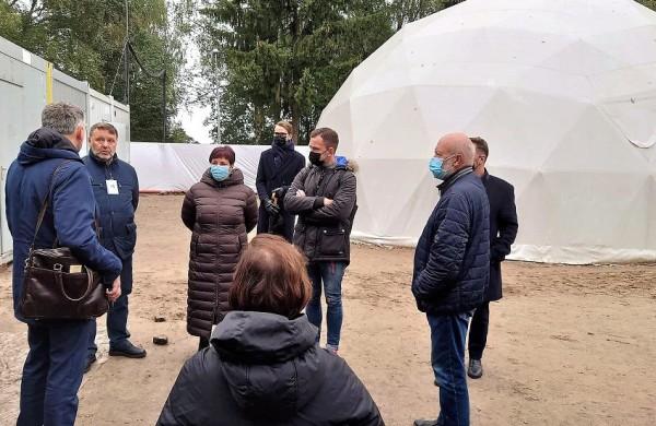 Seimo Žmogaus teisių komitetas lankėsi Pabėgėlių priėmimo centre – kritinė situacija dėl migrantų sveikatos