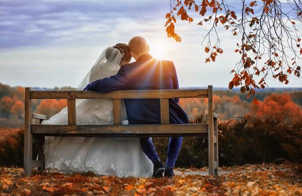 Vedybų tendencijos nesikeičia - lietuviai ir toliau rinkosi rugpjūčio savaitgalius