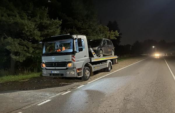 Neblaivaus vairuotojo Jonavoje paimti atvyko taip pat neblaivus taksi vairuotojas