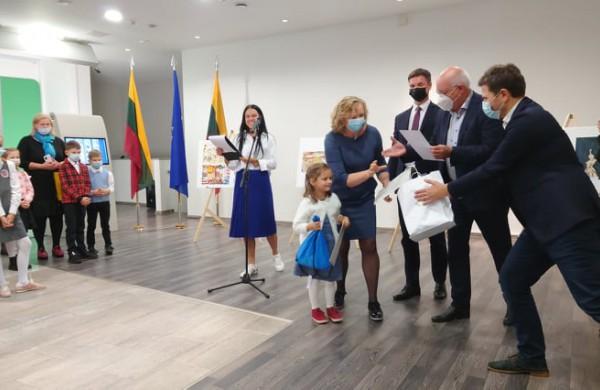 Piešiniai, skirti Europos kalbų dienai, sužavėjo komisiją