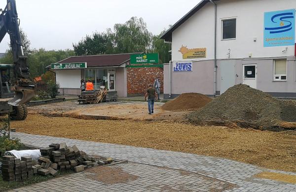 Kulviečio 8-ojo gyventojams apkars verslininko G. Čiurinsko kaimynystė: tvarkomas bendras kiemas liks pusiau skustas, pusiau luptas