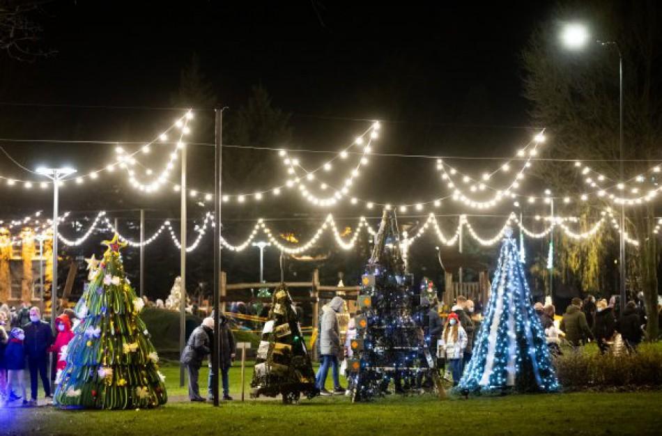 Jonavos meras kviečia kurti Kalėdinių eglučių miestelį