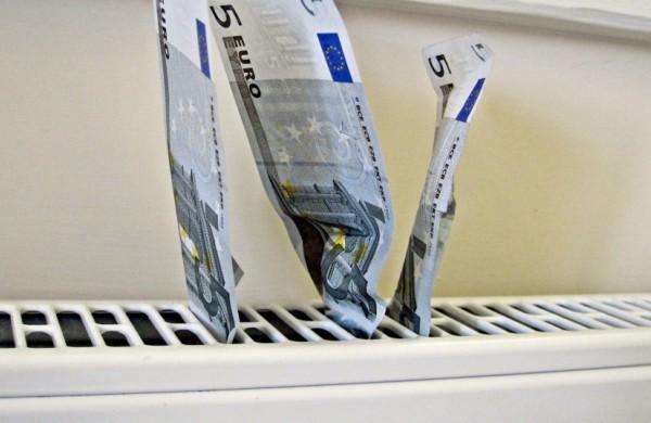 Pritarta įstatymų pakeitimams, sušvelninsiantiems energijos kainų kilimą gyventojams