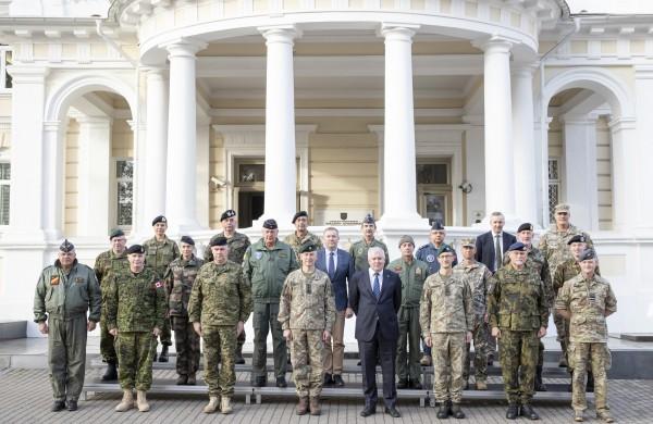 Į Lietuvą atvykę NATO kariniai atstovai supažindinami su padėtimi prie Aljanso rytinės sienos
