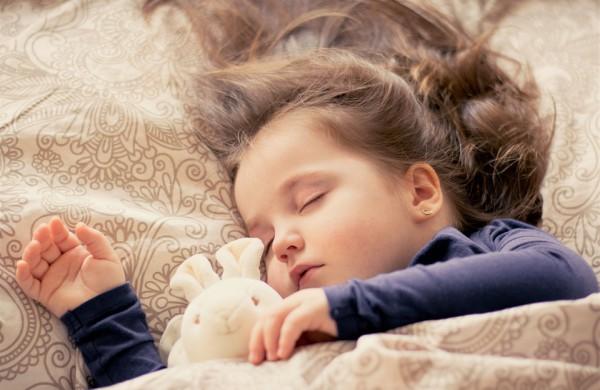 """Mažamečio mama: ,,Ar darželis turi teisę versti vaikus miegoti?"""""""