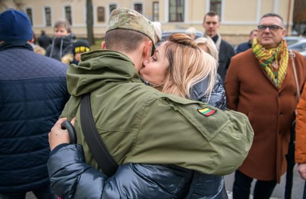 Po mokymų Rukloje, prisiekę Lietuvai, studijas pradeda 99 Karo akademijos kariūnai